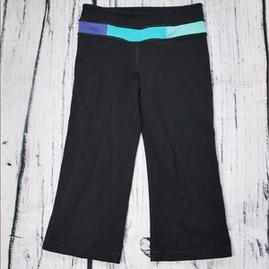 Lululemon Black Reversible Crops Blue Block Band